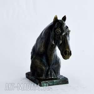 prezent ceramika szare popiersie konia fryzyjskiego |