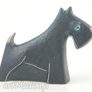 czarne ceramika sznaucer - pies na biżuterię