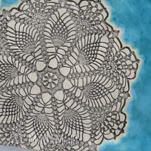 turkusowa kwadratowa patera z koronką - prezent parapetówka talerz ceramiczny