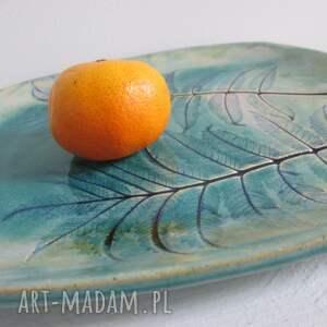 ceramika talerz roślinny turkusowy
