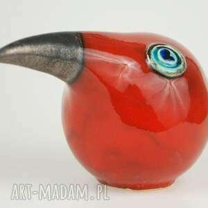 czerwone ceramika wielki ptak patrzy