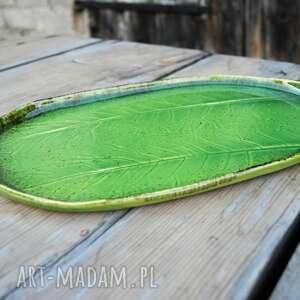 prezent zestaw ceramicznych pater z liściem