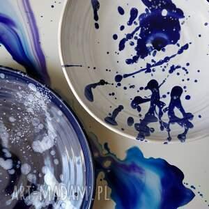 Kate Maciukajc białe ceramika zestaw dwoch talerzy ceramicznych