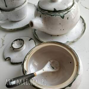 brązowe ceramika zestaw składający się z dwóch