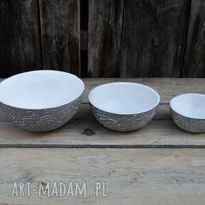 ciekawe ceramika misy zestaw trzech mis z szarej gliny