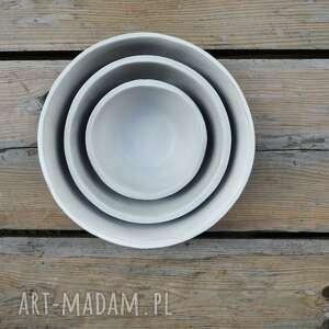 ceramika misy zestaw trzech mis z szarej gliny