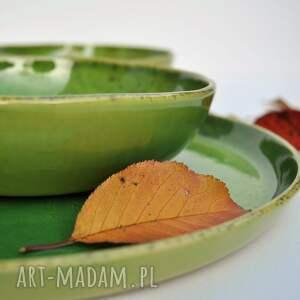 brązowe ceramika naczynia zestaw z winoroślą