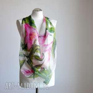 ręczne wykonanie chustki i apaszki malowane kwiaty jedwabna chusta lilie
