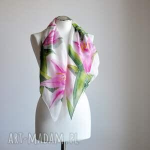 jedwabna chusta chustki i apaszki różowe lilie