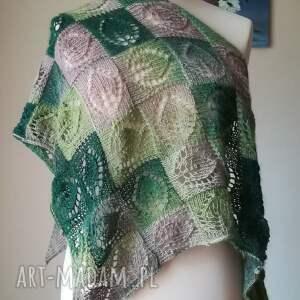 zielone chustki i apaszki rękodzieło mchy chusta