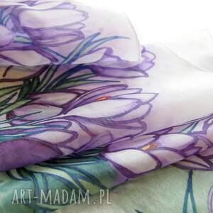 fioletowe chustki i apaszki apaszka malowana ręcznie malowany szal krokusy