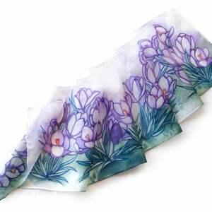 nietuzinkowe chustki i apaszki szalik jedwabny ręcznie malowany szal krokusy