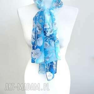 jedwabny-szal chustki i apaszki niebieskie szalik z jedwabiu niebieski ręcznie