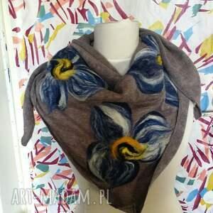ręczne wykonanie chustki i apaszki chusta szara handmade wełniana