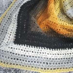 handmade chustki i apaszki chusta szydełkowa dla wyjątkowej