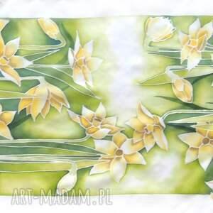 chustki i apaszki: Żonkile na jedwabnym szalu ręcznie malowane szal z-jedwabiu