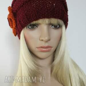 czerwone czapki czapka bordowa czapeczka z pomarańczowym