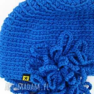 na święta prezenty chabrowa czapka z ozdobą