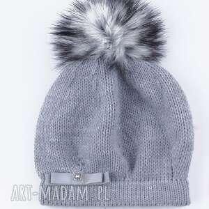 szare czapki czapka ciepła z futrzanym pomponem