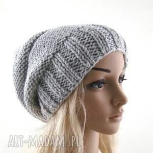 intrygujące czapki czapka czapa jasnoszara:)