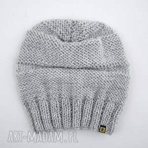 intrygujące czapki czapa jasnoszara:)