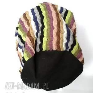 intrygujące czapki czapka damska kolorowa paski etno