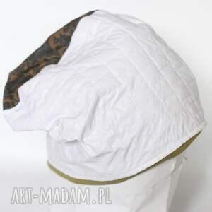 czapki biała czapka damska z motywem