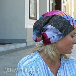 czapki: kolorowa