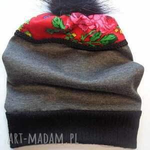 czapki: czapka Folk Design Aneta Larysa Knap