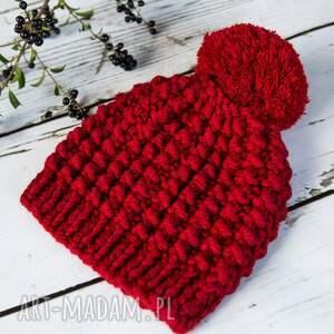 HERMINA czapki: Czapka handmade z pomponem - na drutach