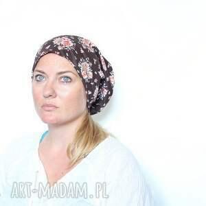 Ruda Klara czapki: kwiaty