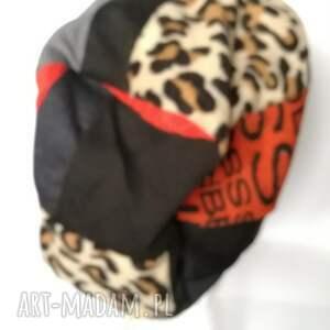 frapujące czapki sport czapka smerfetka długa wzory