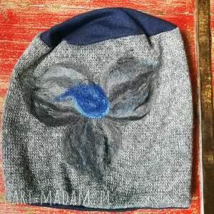 Ruda Klara czapki: czapka wełniana filcowana szara melanż zimowa handmade w kwiaty na podszewce