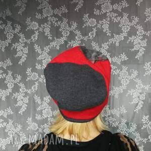 czapki etno czapka wełniana filcowana czerwona