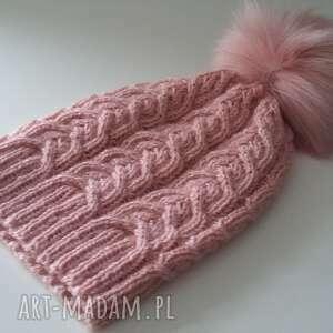 czapa czapka zimowa z dużym pomponem