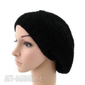 czapki beret czarny