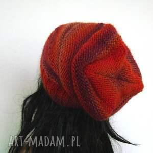 czapka czapki czerwone długa w czerwieniach