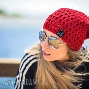 czerwone czapki czapka hellove