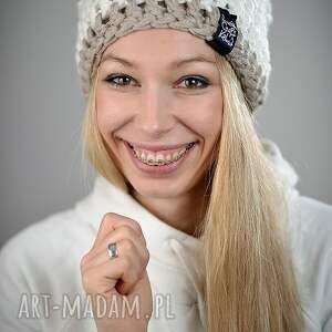 białe czapki czapka inferior