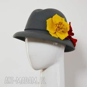 żółte czapki szary kapelusz flower