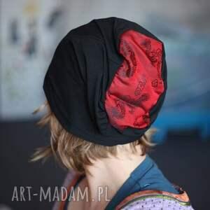 handmade czapki kątem oka łypie i potwornie