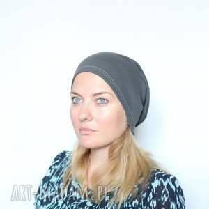 ręcznie zrobione czapki czapka kiedy drapie go pod włos puchnie