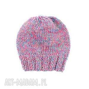 intrygujące czapki czapka kolorowa z wełną zrobiona