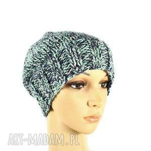 modne czapki czapka kolorowa z wełną robiona