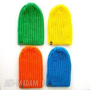 intrygujące komplet kolorowych czapek unisex