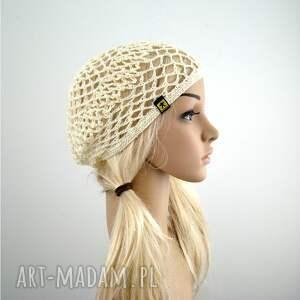beżowe czapki czapka kremowa ażurowa czapeczka - siatka