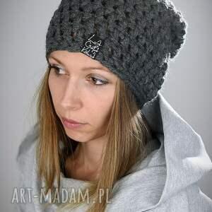 ręcznie robione czapki czapka mono 07
