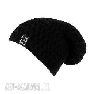 gustowne czapki szydełko mono 01