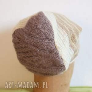 handmade czapki wełna obrotna jak karuzela, tylko kolana