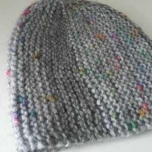 szare czapki czapka oryginalna, bardzo kobieca, zimowa
